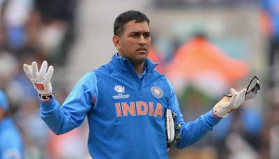 Dhoni no longer automatic choice for ODIs: Indian chief selector