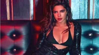 Look! Priyanka Chopra's hot pics viral