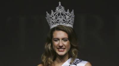 Miss Turkey loses crown over bizarre coup tweets
