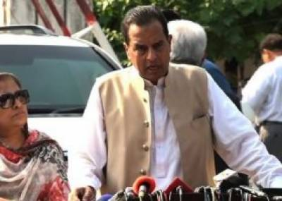 Capt (r) Safdar demands curbs on Ahmadi's in govt, army and private employment