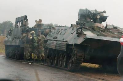 Zimbabwe army takes control of state broadcast