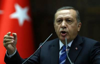 Erdogan pledges military support for Qatar on Doha visit