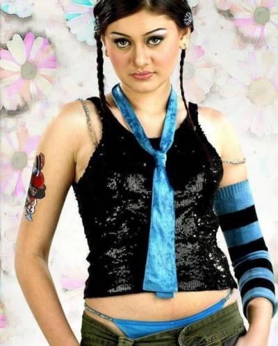 New pictures of 'Kaanta Laga' actress go viral