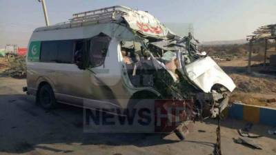 Eight of family killed in road mishap in Jamshoro