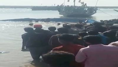 At least 17 dead as boat capsized near Thatta