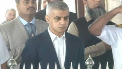London Mayor visits Quaid's Mausoleum in Karachi