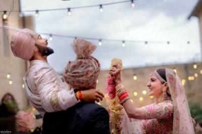 Gorgeous Anushka, Virat Kohli tie knot (Pics, Videos)
