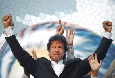 SC clears Imran Khan, disqualifies Tareen