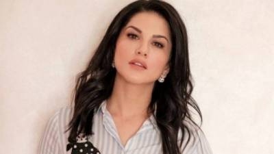 Sunny Leone's jungle picture takes internet by storm