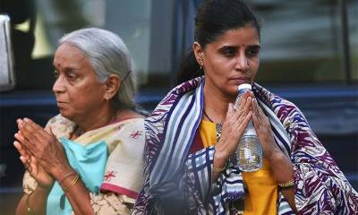 Jadhav's wife, mother meets Indian Foreign Minister Sushma Swaraj