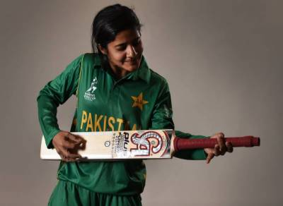 National women cricketer Gawaria starts singing