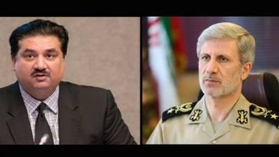 Iranian, Pakistani ministers discuss ties amid Trump threats