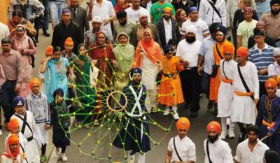 Thousands of Indian Sikhs arrive in Pakistan for Baisakhi festival