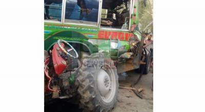 6 killed as bus collides with a tractor trolley near Layyah