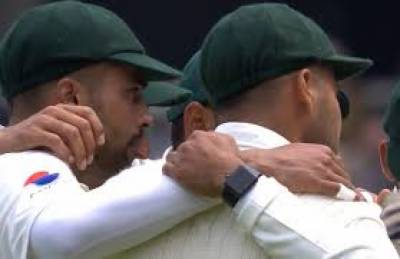 Lords test: ICC reprimands Pakistani players for wearing smart watch during England Test