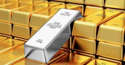 Gold price surges by Rs 2000 per tola