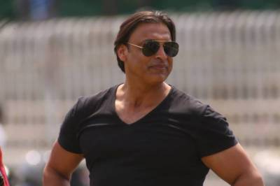 Shoaib Akhtar resigns as adviser to PCB chief