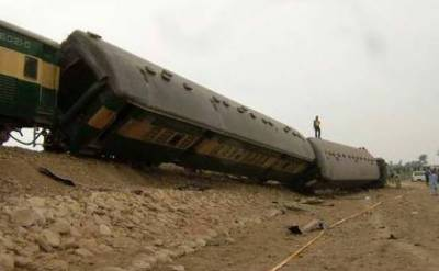 At least 20 injured after nine bogies of Khushhal Express derailed