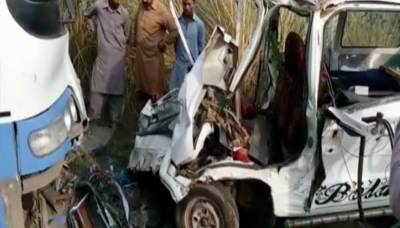 Six students, driver killed as van rams into bus near Bhalwal