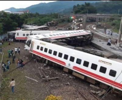 At least 18 killed, 160 injured in Taiwan train crash