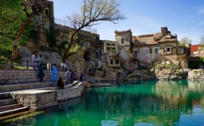 SC orders to refill pond next to Katas Raj temple