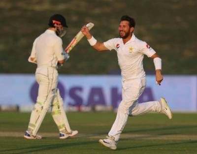 PM Imran congratulates Yasir Shah on breaking 82-year-old record
