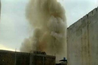 Two women among six injured in Peshawar blast