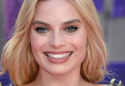 Margot Robbie to play Barbie in the doll's first live-action film