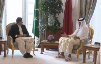 PM Imran calls on emir of Qatar in Doha