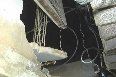 Three including father, daughter killed as roof collapses in Karachi