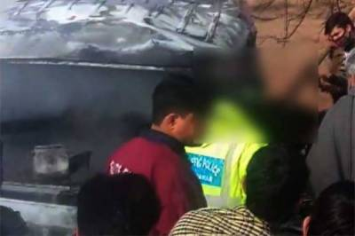 At least 11 burn to death in Karak bus-truck collision
