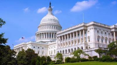 US lawmakers reach tentative deal to avert government shutdown