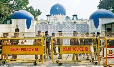 India asks Pakistani visitors to leave country within 48 hours