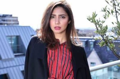 PSL-4: Mahira Khan welcomes all international cricketers to Karachi