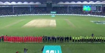 PSL4: Lahore Qalandars win toss, decide to bowl first against Islamabad United