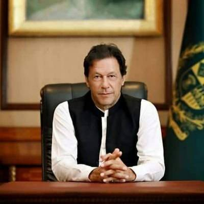 PM Imran welcomes Modi's greeting on Pakistan Day