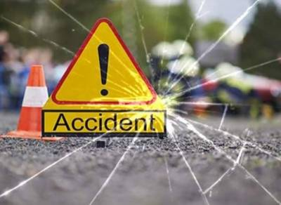 Three killed, four injured as vehicle overturns in Balochistan's Pasni