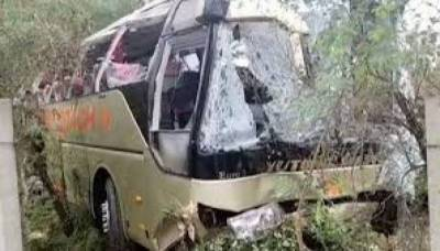 13 passengers killed in bus accident near Hassan Abdal