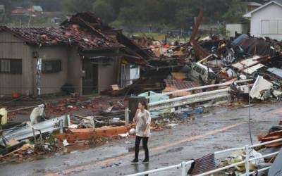 Japan: Powerful typhoon hits Tokyo, surrounding areas