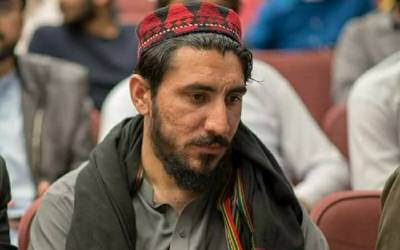 Police arrests PTM's Manzoor Pashteen from Peshawar